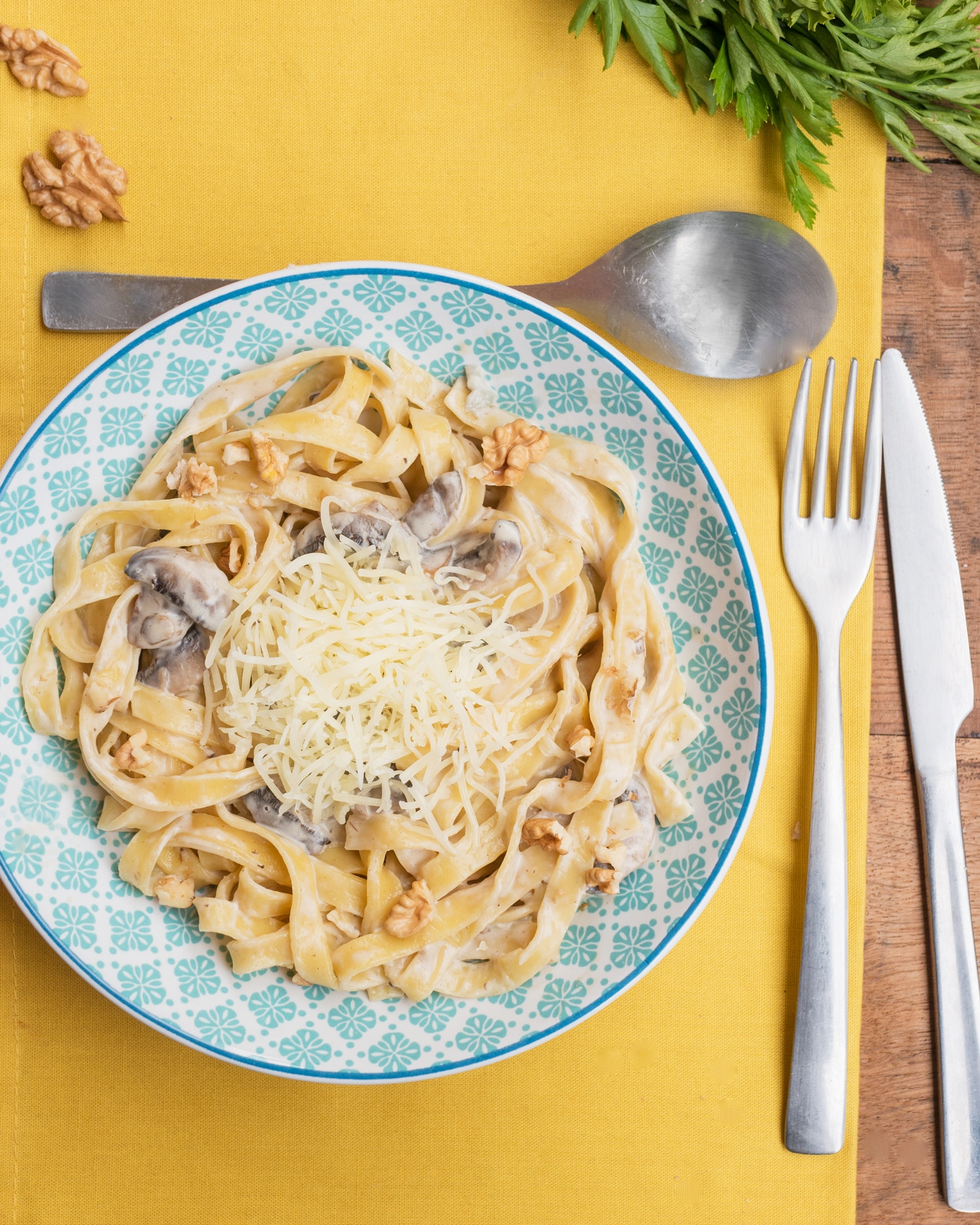 Tagliatelle with a cheese and mushroom sauce
