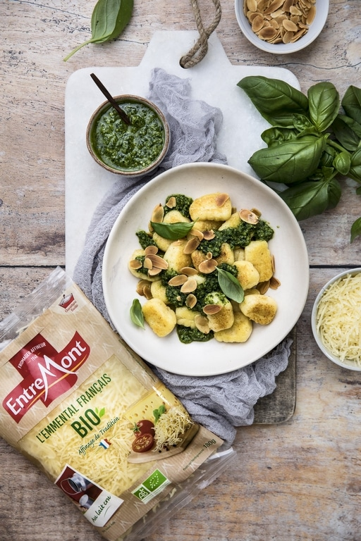 Grated organic Emmental and almond pesto gnocchi